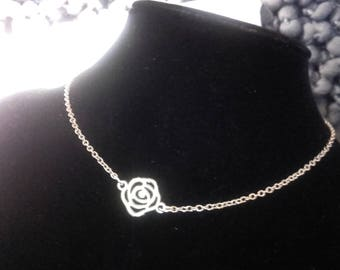 Chain Choker necklace in silver, old rose charm