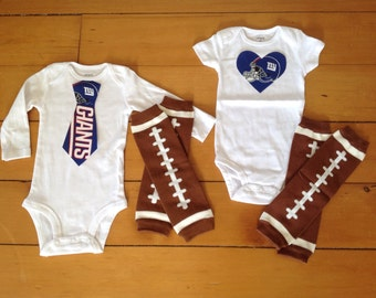 Giants baby boy or girl! Baby bodysuit set for little New York Giants fans. giants baby boy, giants baby girl. baby shower gift idea