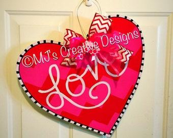 Valentines Day Door Hanger- Valentines Door Decor, Heart Door Hanger, Love Door Hanger, Chevron Door Hanger, Pink Door Decor