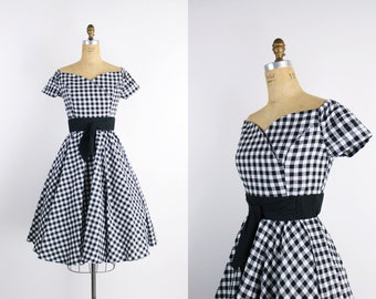 80s Does 50s Black and White Gingham Dress / Circle Skirt / Full Skirt Dress / 50s Dress / Off Shoulder / Size M/L