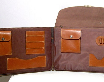 Unusual 1970s brown leather portfolio briefcase - laptop ipad - school book messenger bag cross body - lots of pockets -made in Canada