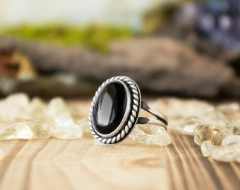 Classic Ring | Sterling Silver and Black Onyx | Size 10.5
