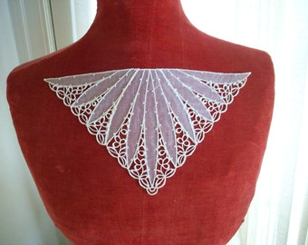1 Lovely antique collar inset of lace and organdy