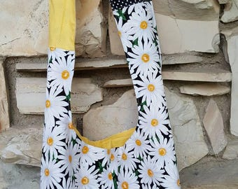 Daisy hobo bag, daisy crossbody hobo bag, white daisies on black background bag, slouch bag, hobo bag, hippie bag.