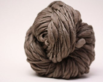 Handspun Yarn Thick and Thin Wool Merino Slub TTS(tm) Bulky  Dark Taupe 04 Half-pounder