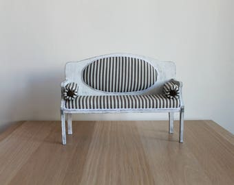 French couch (French sofa)
