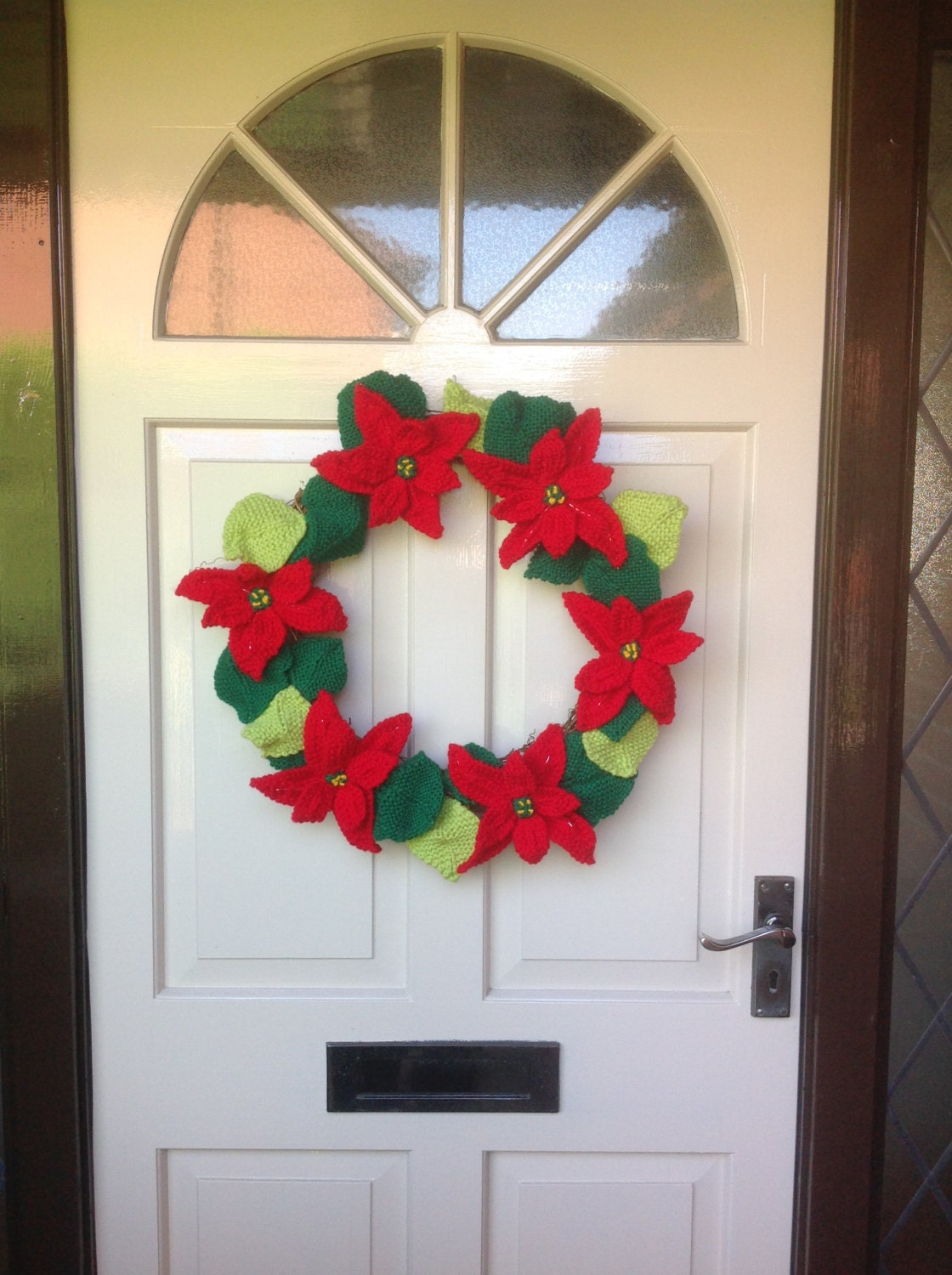 Knitted Poinsettia Christmas Wreath, Knitting pattern for ...