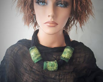 Wool felted necklace Green necklace Boho style necklace Felt wool necklace Felt necklace Gift for her One-of-a-kind necklace Felt jewelry