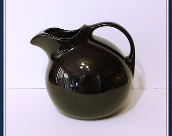 Glossy Black Pitcher, by Hall, Jug, Made in the USA, #633.  Ice Lip, 3 lbs., 10 Cup Capacity, Vintage 1950's 1960's