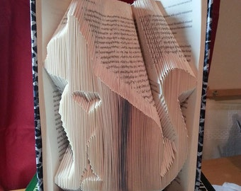 Book folding pattern for a Cat with inverted heart +FREE TUTORIAL