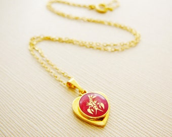Vintage .. Necklace, Charm, Red Chain Cancer the Crab Horoscope Goldtone Heart