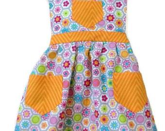 Flowered Apron, Children's Apron, Toddler apron, Girl Apron, Baking Apron, Cooking Apron, Kids Apron, Little Girls Apron, Retro Style Apron