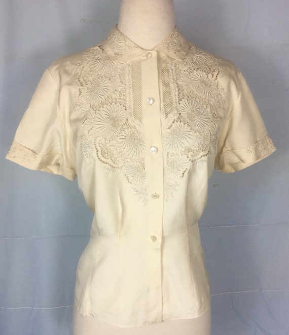 Vintage 1950s Cream Color Cotton Embroidered Blouse Med Large