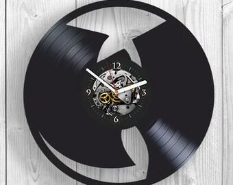 Rap Music Vinyl Clock, Gift For Him, Wu Tang Art, Wu Tang Vinyl Record Wall Clock, Birthday Gift For Men, Wu Tang Wall Clock Vintage