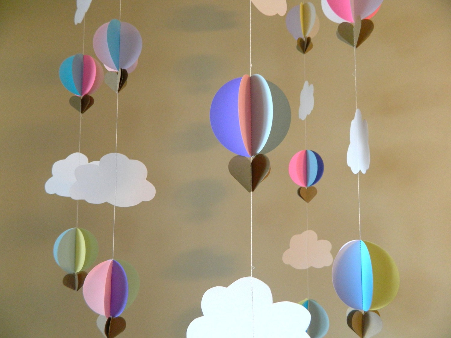 Up up and away baby shower decorations hot air balloon for Balloon decoration color combinations