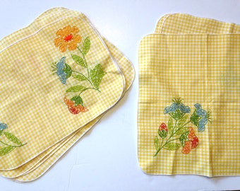 Gingham Napkins Placemat Set Vintage 70s Embroidered Napkins Yellow Gingham *