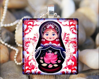 RUSSIAN NESTING DOLL Matryoshka Babushka Russian Stacking Dolls Glass Tile Pendant Necklace Keyring - Red Color