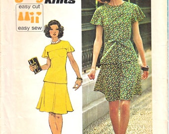 """Simplicity 6081 Woman Knit Short Two-Piece Dress, Top with Flutter Sleeve, Flared Skirt Vintage Sewing Pattern Size 12 Bust 34"""" 1970s"""