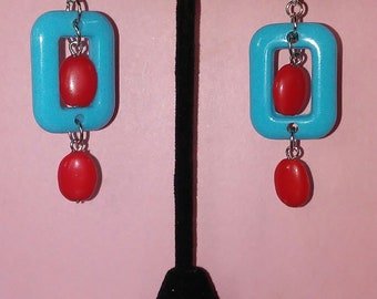 Rectangle and red glass beads earrings.