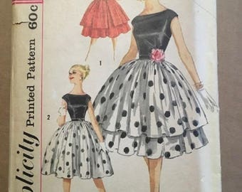 Vintage Simplicity Pattern #3262 Miss Size 12 Bust 32 Dress and Overskirt