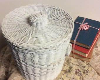 Vintage White Wicker Ice Bucket with Liner Barware ManCave Palm Beach Decor Country Cottage