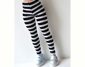 Leggings for curvy barbie, curvy Barbie, striped leggings for Curvy Barbie, Curvy barbie handmade, black and white