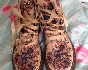 Dr martens floral vegan boots size 5 ribbon laces