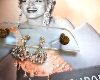 vintage rhinestone earrings mostly brilliant screw backs