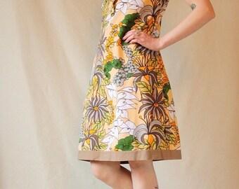 ON SALE Vintage Short Sleeve Floral Dress// UK 8-10 // Collar // 60's