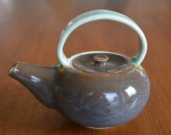 Small single cup teapot