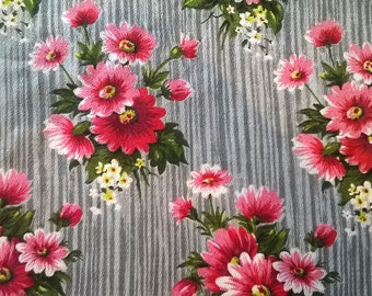 1950s barkcloth fabric curtain panels, sweet vintage floral cotton barkcloth. Midcentury grey green & pink floral fabric. Crafts, quilting.