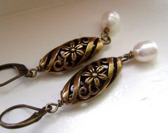 Antique Gold  Earrings, Fresh Water Pearl Earrings, Filigree Earrings