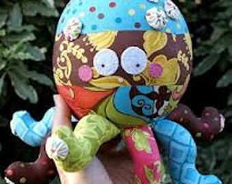 KIT - Melly and Me - 'Oopsie the Octopus' by Melanie Hurlston - 30cm tall x 13cm wide