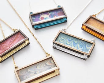 Esoteric london x paperwilds collaboration - marbled rectangle necklace