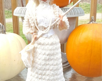 1901 Wedding Frock Crocheted Doll