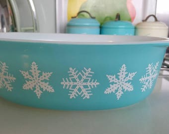 Vintage Pyrex turquoise snowflake oval casserole