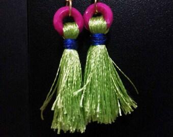 Light green tassels earrings with pink beats
