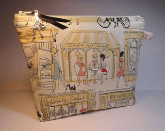 """""""Girls and shops"""" pouch"""
