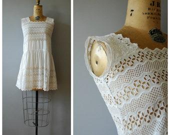 Belinda City tunic • 1950s cotton eyelet blouse