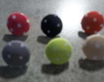 6 buttons covered with polka dots 15mm