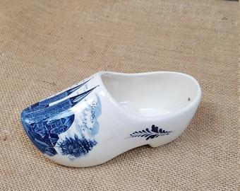 Vintage Delft Dutch Holland Geldrop R.K.Kerk ceramic shoe well hanging