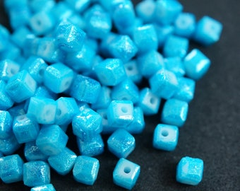 20 cubic Crystal 4 mm TURQUOISE N6