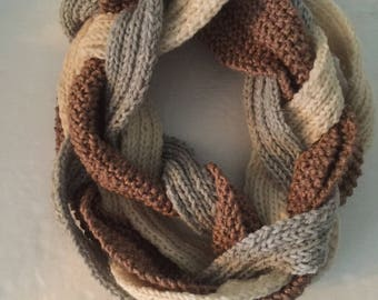 Braided woolen infinity scarf - knit