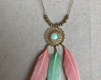 Boho necklace with feathers