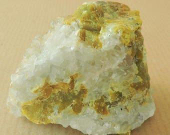 Rare lizardite, albite, hydrotalcite and magnesioferrite from Dypingdal, Norway - miniature