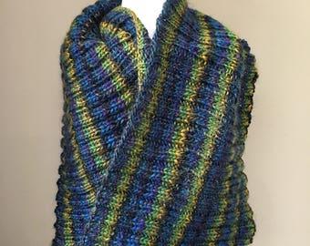 Winter warm: beautiful handknitted scarf, snoody