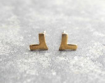 Tiny Unisex Earrings, Chevron Earring Studs, Arrow Earrings, Unisex Earrings, Triangle Geometric Minimalist, Sterling Silver Hypoallergenic