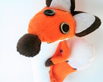 Fox stuffed animals inspired by the Little Prince