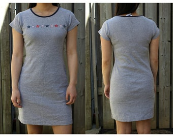 Vintage 90s Tommy Hilfiger Tommy Girl t-shirt dress, trendy and sporty chic style