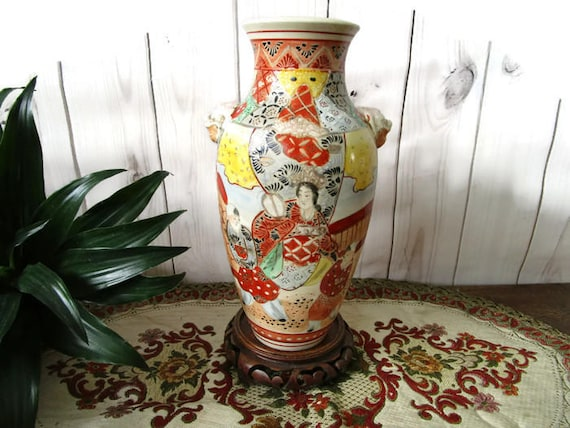 Old Japan Urn Vase Foo Dog Handles With Beautiful Detailed